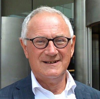 http://www.mr-online.nl/oud-rechter-wordt-eerste-hoogleraar-mediation/?_scpsug=crawled_236279_7c28f060-0f44-11e7-fedc-90b11c40440d#_scpsug=crawled_236279_7c28f060-0f44-11e7-fedc-90b11c40440d