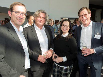Jan Pieter Witsen Elias (Post NL), Wolfgang Hinkel en Olcay Olcayto (beiden Wavin) en Christian Eggert (Centrotec Sustainable)