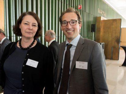 Ellen Kiersch (directeur Juridische Zaken ministerie Sociale Zaken en Werkgelegenheid) en Reimer Veldhuis (landsadvocaat/Pels Rijcken)
