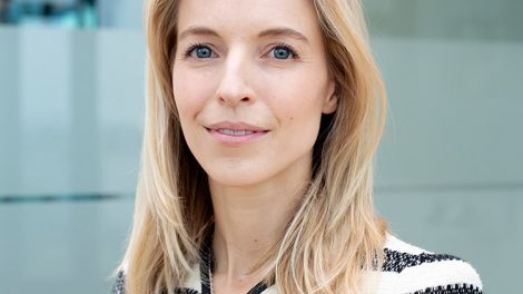 Samantha Brinkhuis - Hogan Lovells