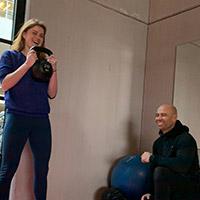 Cornélie den Outer met trainer Nils Wijk - De Roos Advocaten