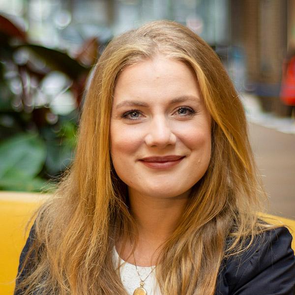 Julia E. Mascini
