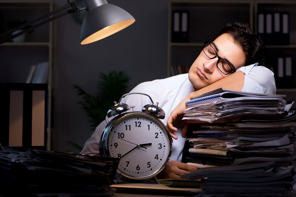 Veel overwerk maar weinig ziekteverzuim in het notariaat