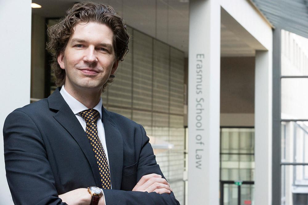 Ruben Houweling Erasmus School of Law ESL