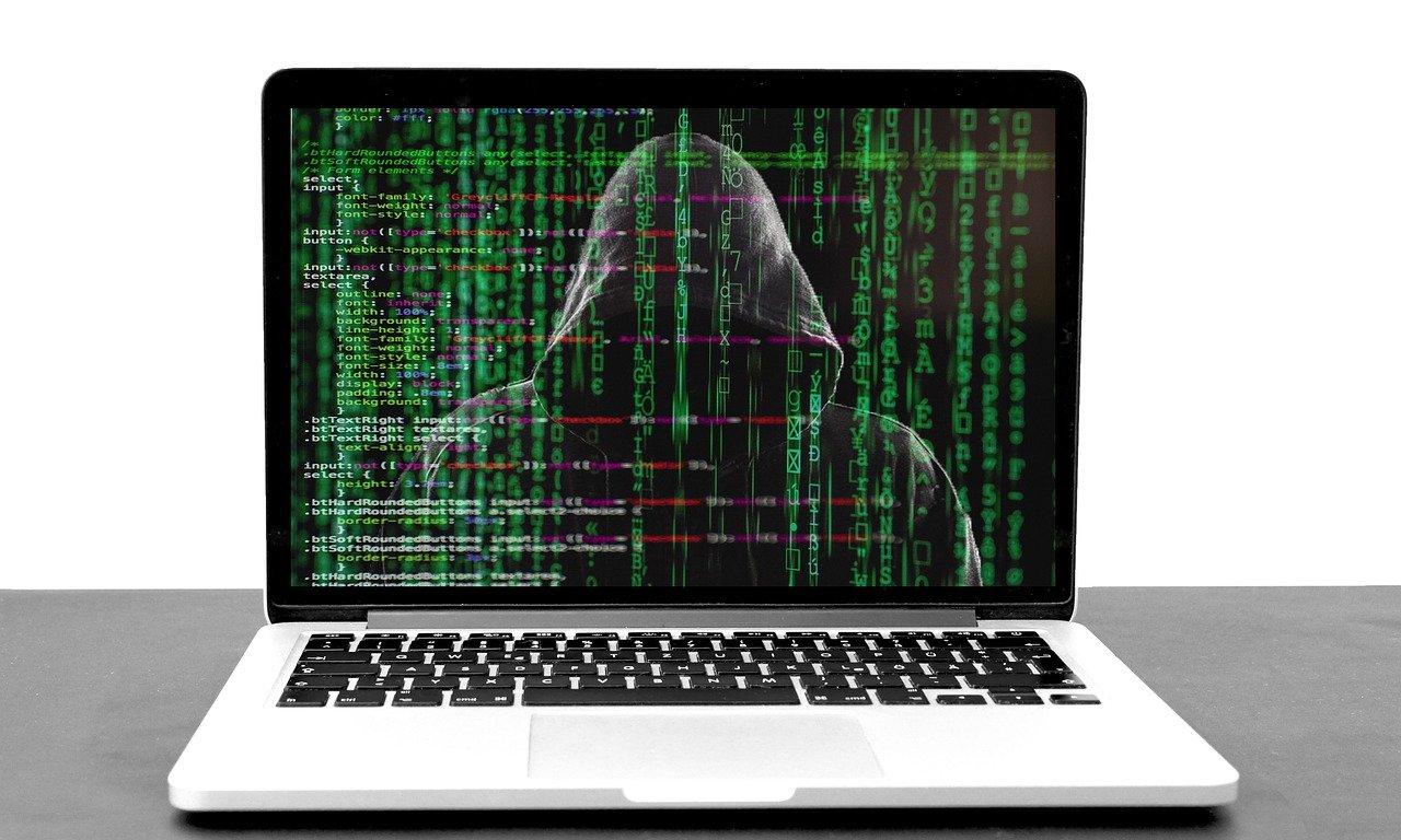 hacker-5332676_1280-Pixabay-834b144e