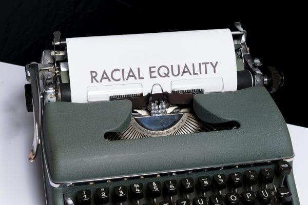 Nederlands Juristen Comité: te weinig data over discriminatie in Nederland - Mr. online