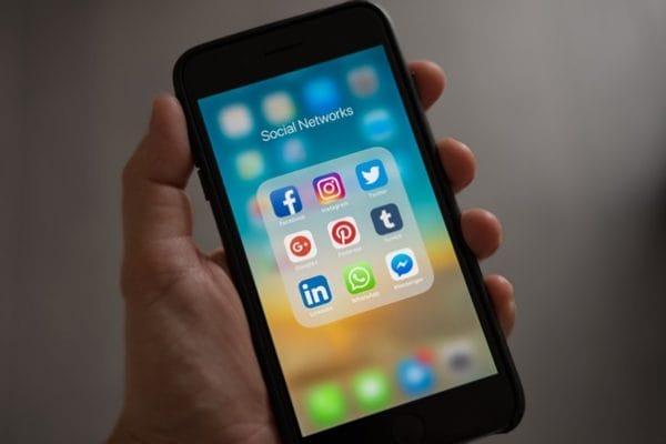 201020_social networks