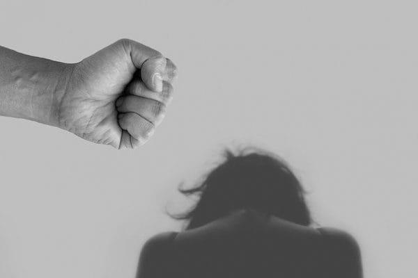 201201_violence-against-women-4209778_640