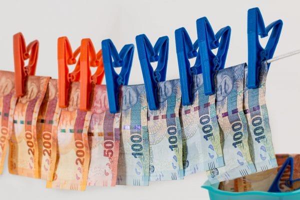 'Criminelen kunnen in coronatijd hun illegale cash moeilijker witwassen' - Mr. online