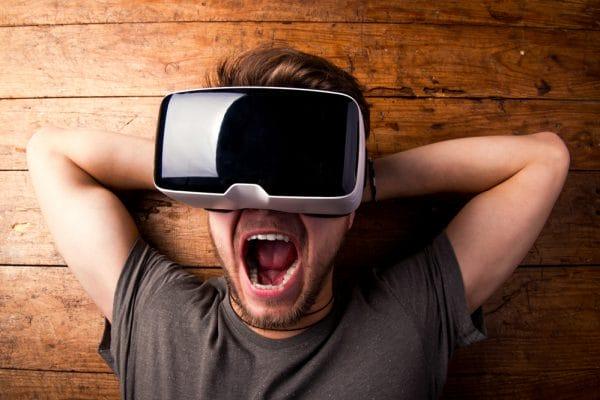 Pleiten met VR-bril - Mr. Online