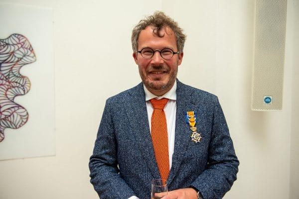 Jacques Sluysmans ontvangt koninklijke onderscheiding - Mr. Online_S
