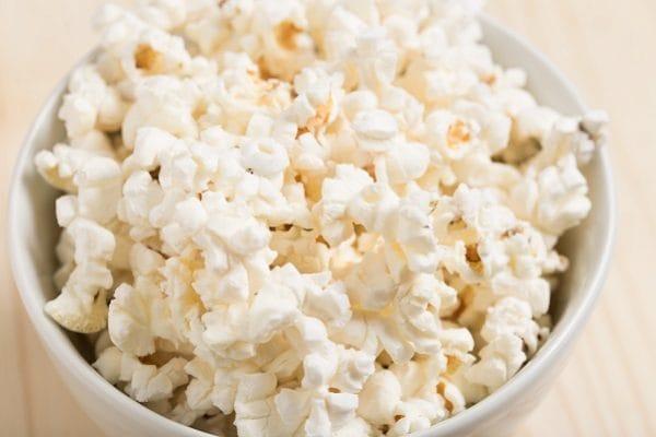 STUD_200305_healthy-snack-movie-popcorn-57043