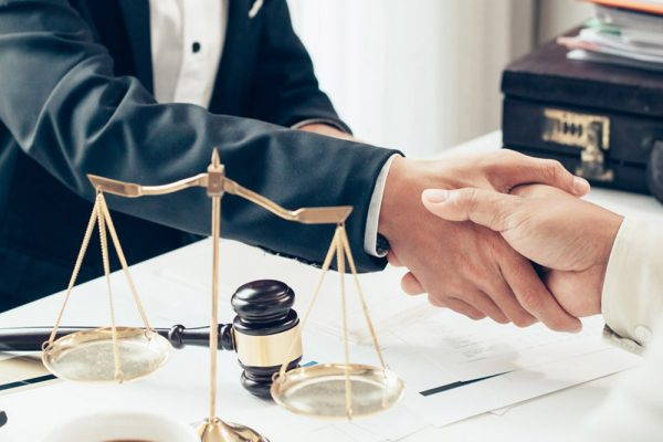 Twee financiële tips voor advocaten in tijden van Corona